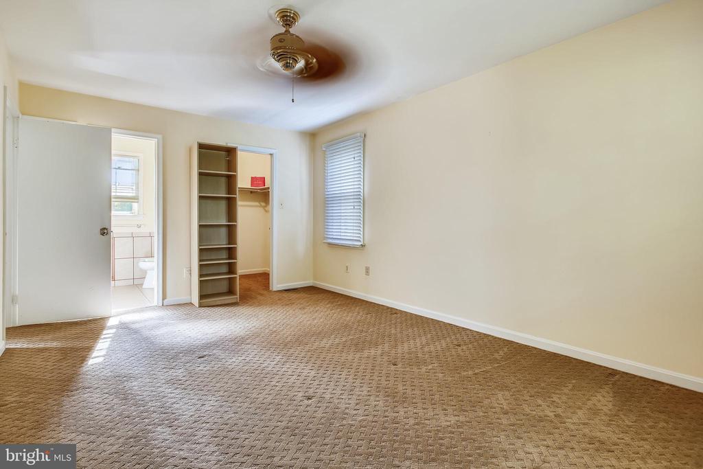 Primary Bedroom - 1636 STOWE RD, RESTON