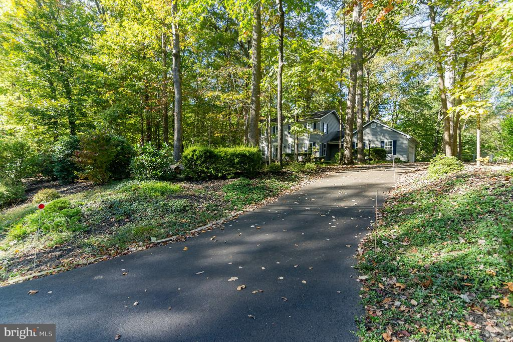 PRIVATE DRIVE - 8052 COUNSELOR RD, MANASSAS