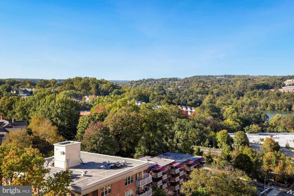 Stellar Views - 1881 N NASH ST #1410, ARLINGTON