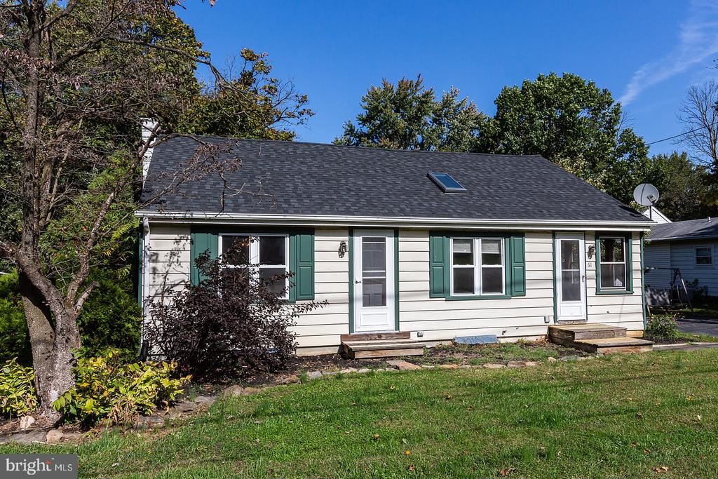 61 BUCH AVE, Lancaster PA 17601