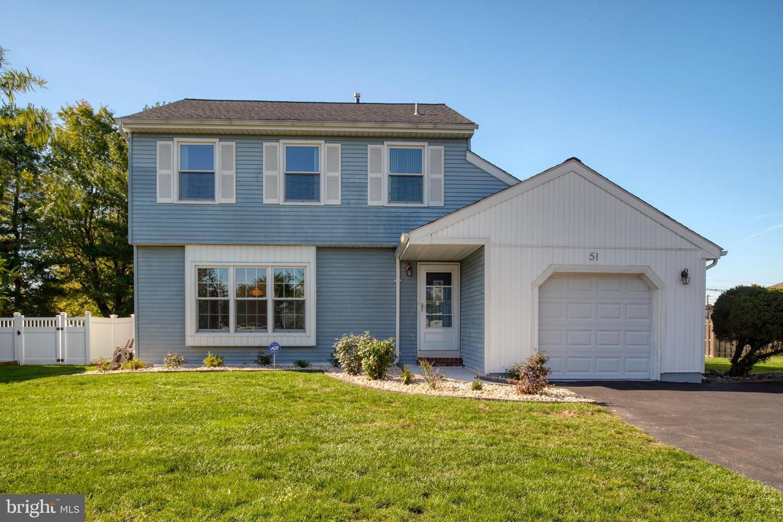 Single Family Homes のために 売買 アット Hamilton, ニュージャージー 08690 アメリカ