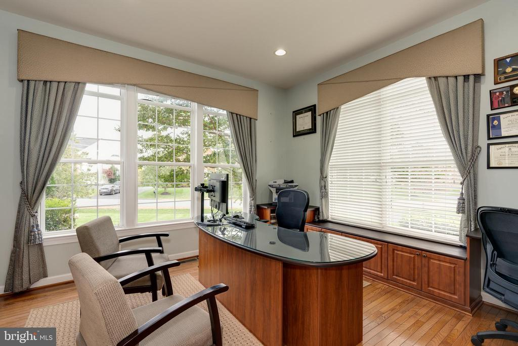 ML - Office - 42917 VIA VENETO WAY, ASHBURN