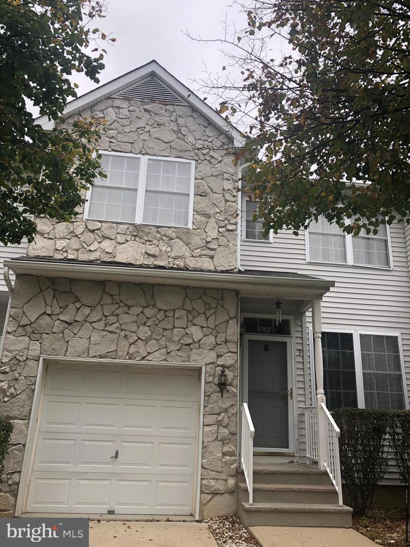 Single Family Homes für Verkauf beim Jamesburg, New Jersey 08831 Vereinigte Staaten