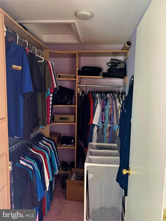 Master-His Closet - 9115 FISHERMANS LN, SPRINGFIELD