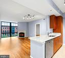 Open, livable floorplan - 1021 N GARFIELD ST #531, ARLINGTON