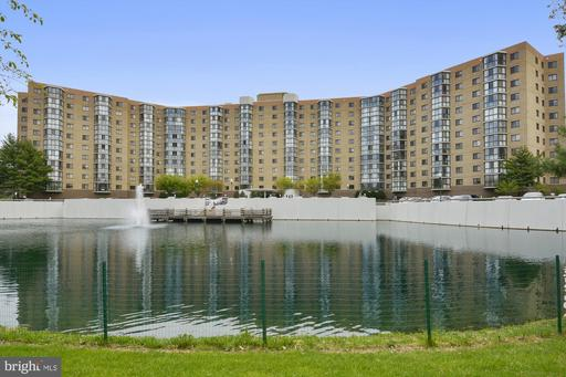 3330 N Leisure World Blvd #910, Silver Spring, MD 20906