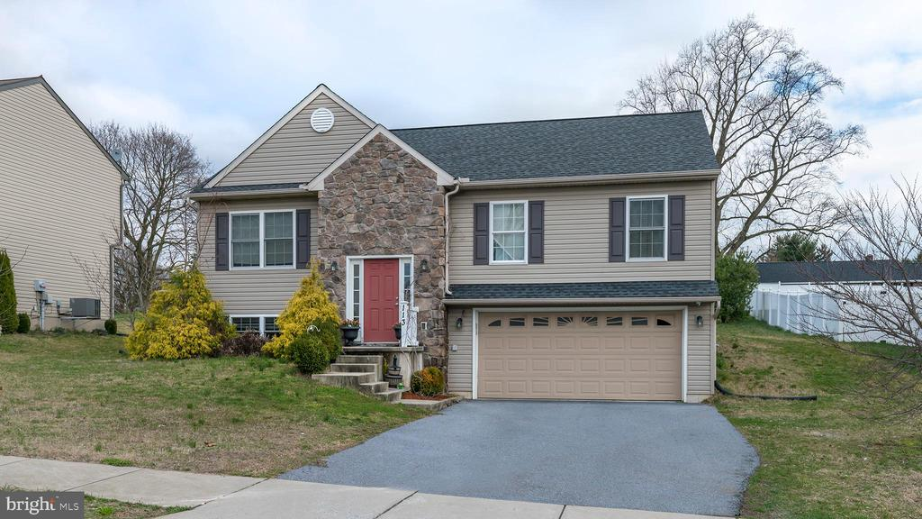 113 CONESTOGA WOODS RD, Lancaster PA 17603