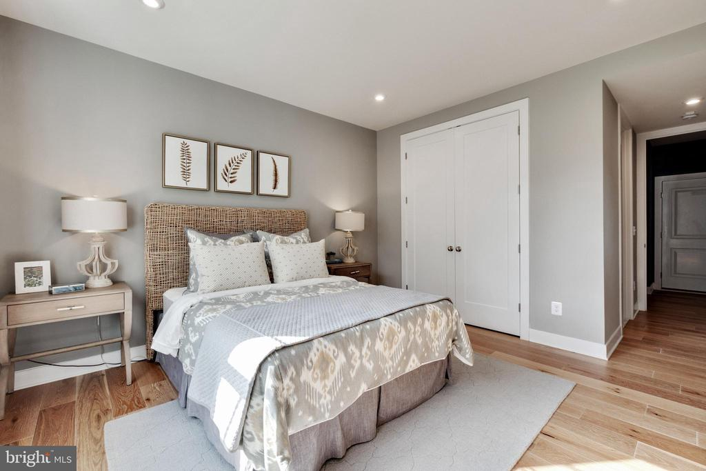 Bedroom on main level - 600 W K ST, PURCELLVILLE