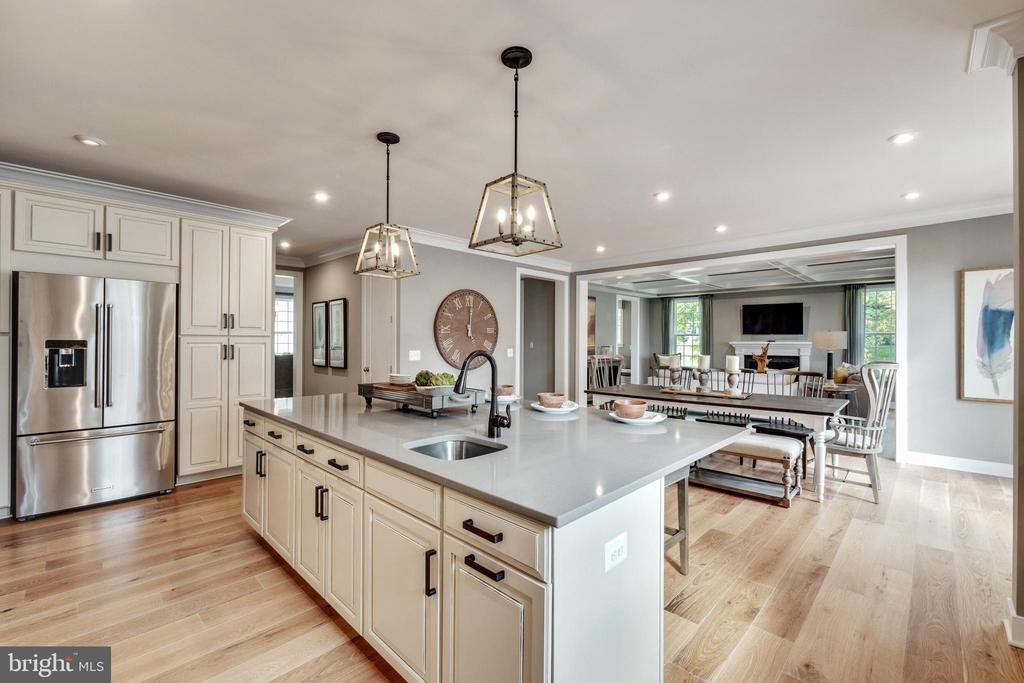 Gourmet kitchen - 600 W K ST, PURCELLVILLE