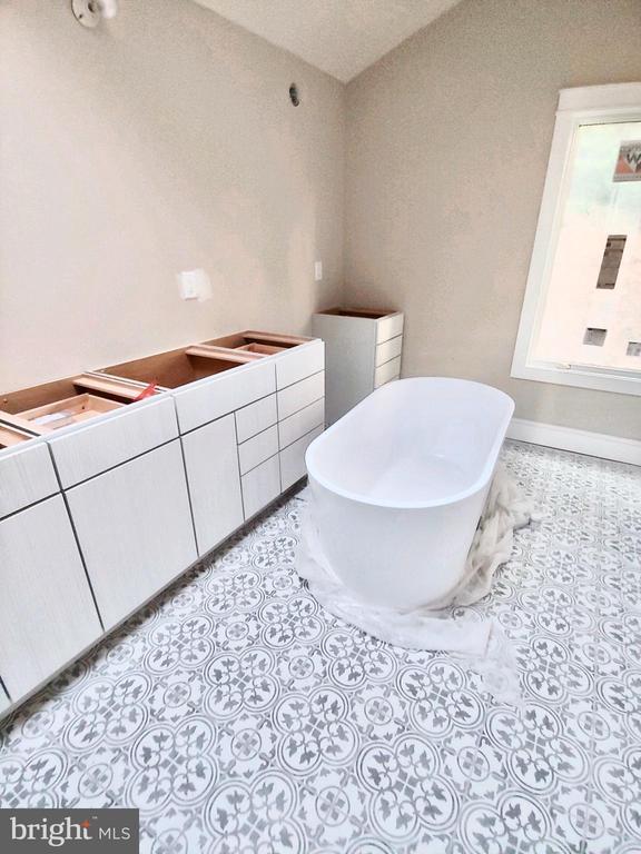 Master Bathroom-UNDER CONSTRUCTION - 2632 LYNN ALLEN RD, KING GEORGE