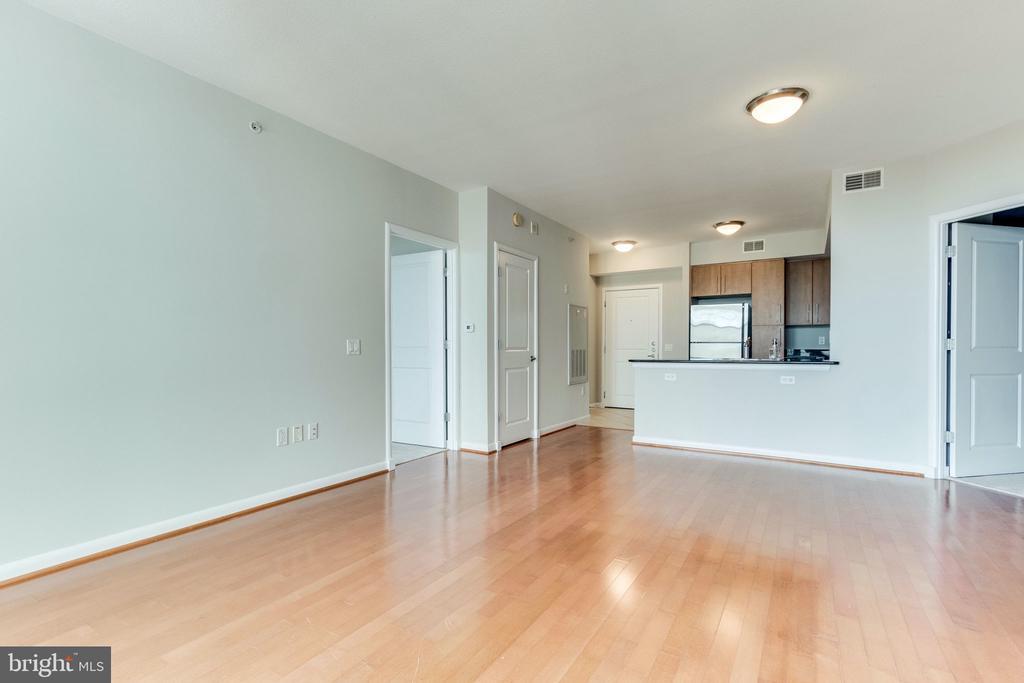 Open Floor Plan - 1021 N GARFIELD ST #714, ARLINGTON