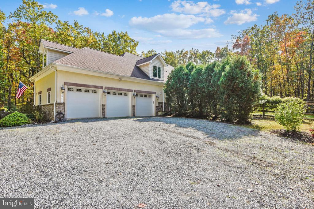 Look at the Guest Parking! - 20448 OATLANDS CHASE PL, LEESBURG