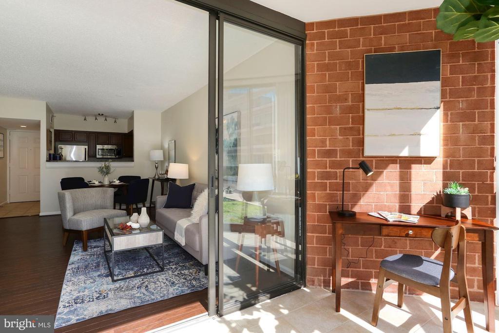 Sunroom  - Perfect to Use as a Home Office! - 1001 N RANDOLPH ST #214, ARLINGTON