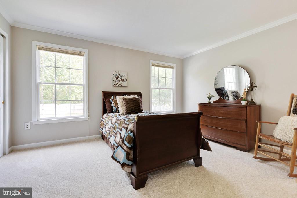 Main Level Bedroom - 48 BOULDER DR, STAFFORD