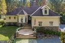Charming and Romantic as in a European Villa - 20448 OATLANDS CHASE PL, LEESBURG