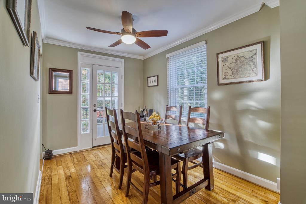 Many windows! - 4819 27TH RD S #2503, ARLINGTON