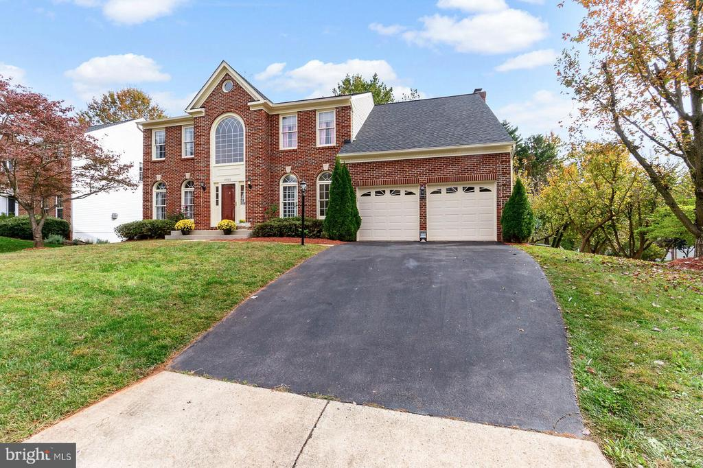 Front Right - 20588 TANGLEWOOD WAY, STERLING