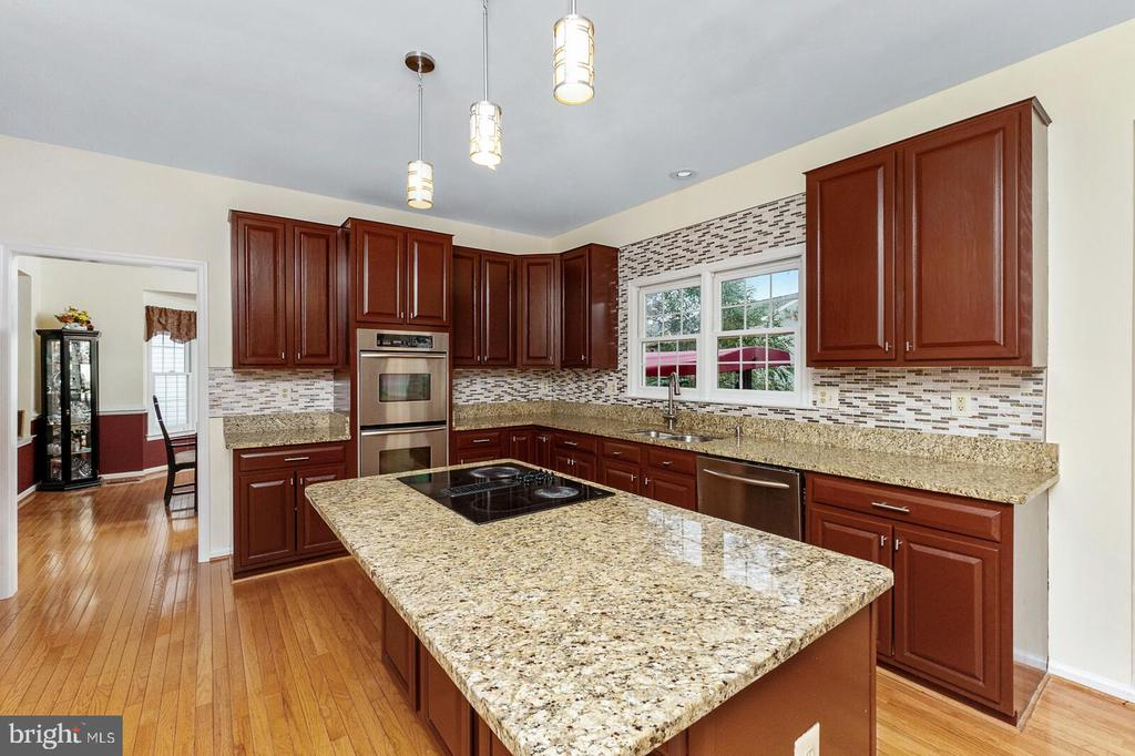 Kitchen - 20588 TANGLEWOOD WAY, STERLING
