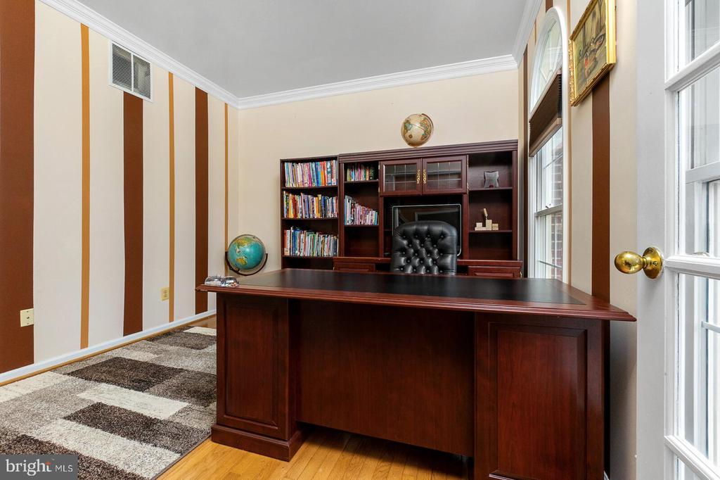 Office - 20588 TANGLEWOOD WAY, STERLING