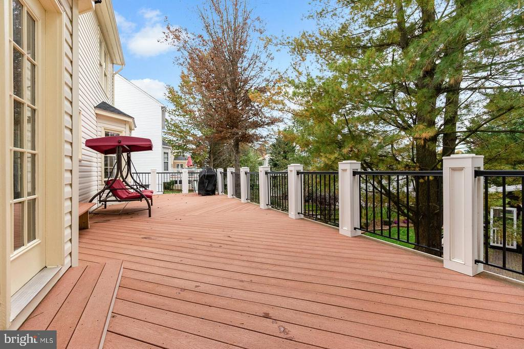 Deck - 20588 TANGLEWOOD WAY, STERLING