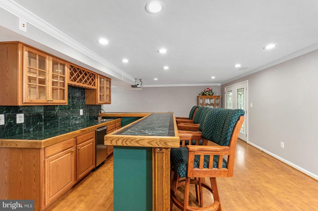 Basement Wet Bar Left View - 20588 TANGLEWOOD WAY, STERLING