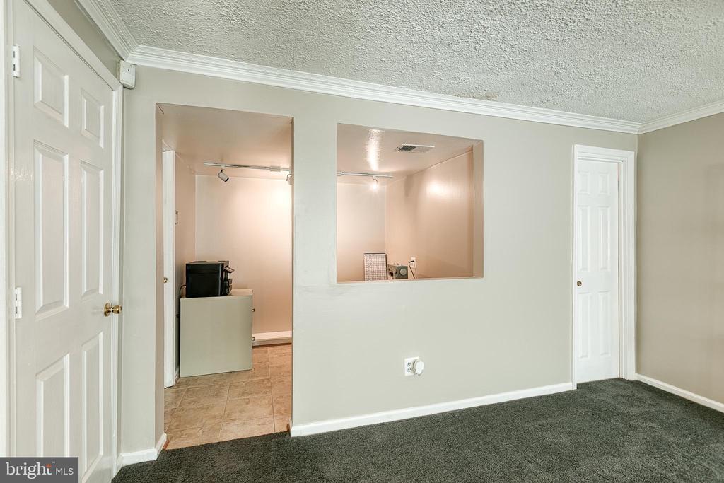 Entrance to hobby room - 3608 EAGLE ROCK CT, WOODBRIDGE