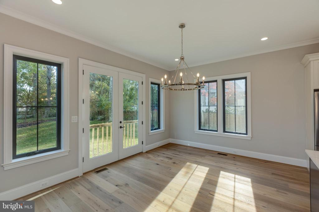 Room to Accommodate a Grand Table - 7401 TOWER ST, FALLS CHURCH