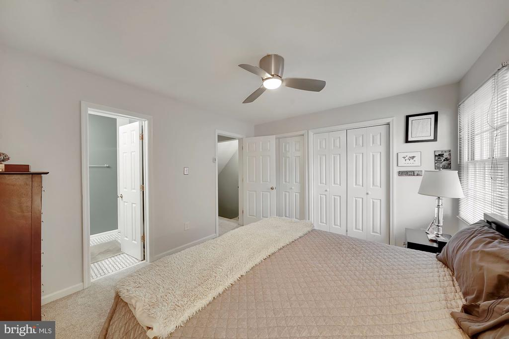 En-suite Bathroom Access - 1168 N VERMONT ST, ARLINGTON
