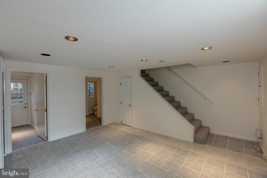 Stairs to Recreation Room - 6947 N FOUR MILE RUN DR, ARLINGTON