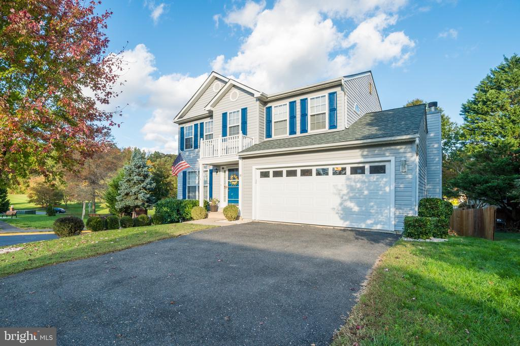 WELCOME HOME! - 30 FULTON DR, STAFFORD