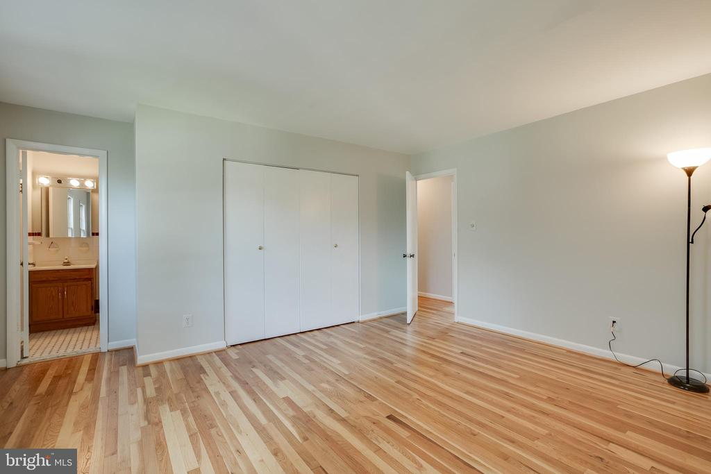 Master bedroom - 12813 LAYHILL RD, SILVER SPRING