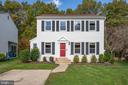 Beautiful Colonial Home in Countryside - 5 DARIAN CT, STERLING