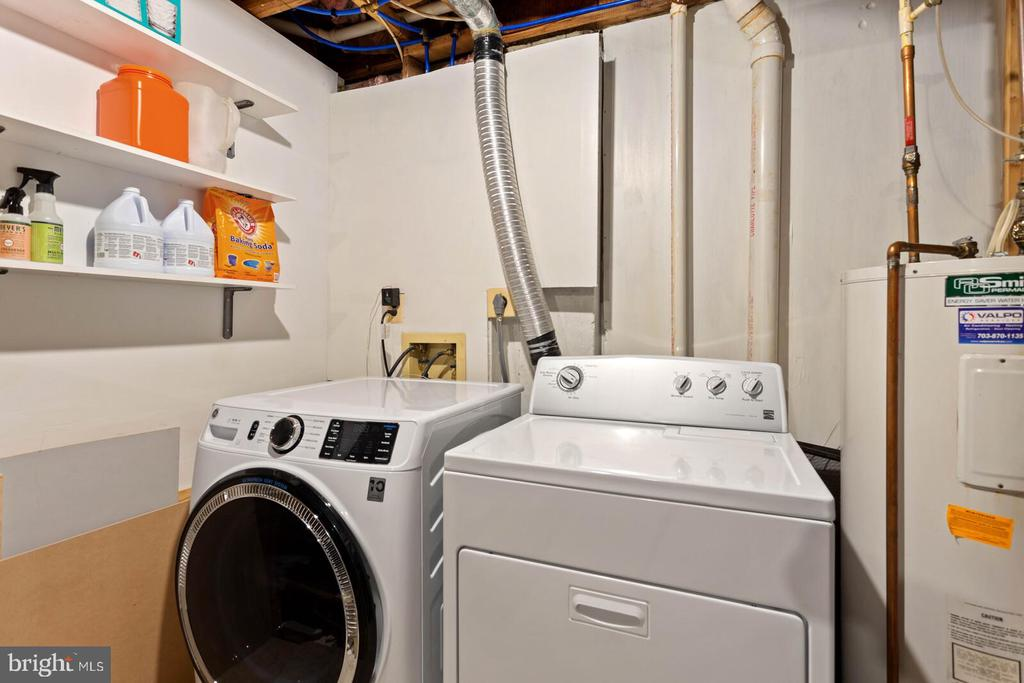 Laundry - 55 MILLARD CT, STERLING