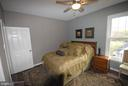 Tons of natural lighting - 46580 DRYSDALE TER #300, STERLING