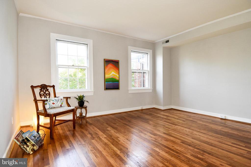 Glowing wood floors - 1600 S BARTON ST #747, ARLINGTON