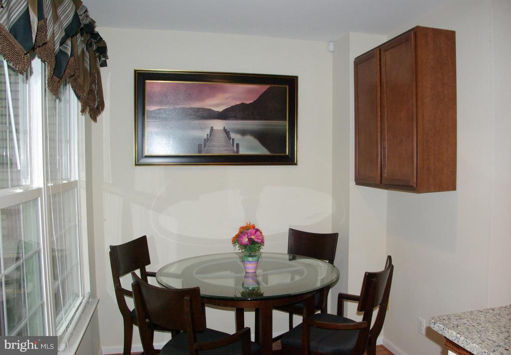 Eat-in area off of kitchen - 12889 TITANIA WAY, WOODBRIDGE