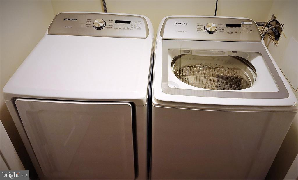 Samsung washer and dryer - 12889 TITANIA WAY, WOODBRIDGE