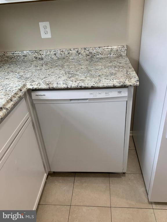 Brand New Dishwasher - 1107 HUNTMASTER TER NE #102, LEESBURG