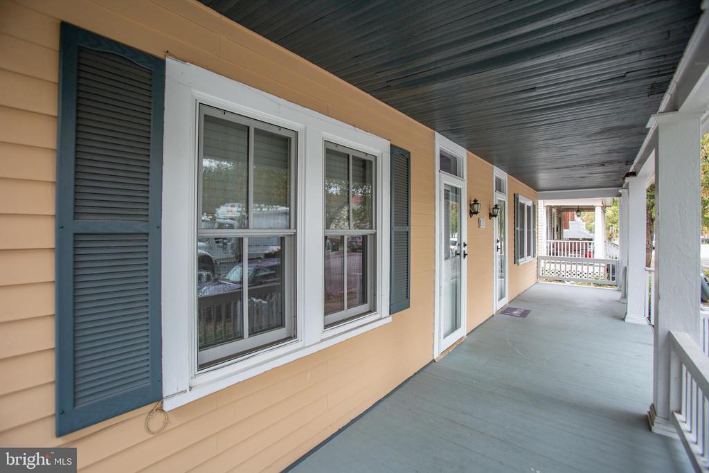 Long front porch - 313 WOLFE ST, FREDERICKSBURG