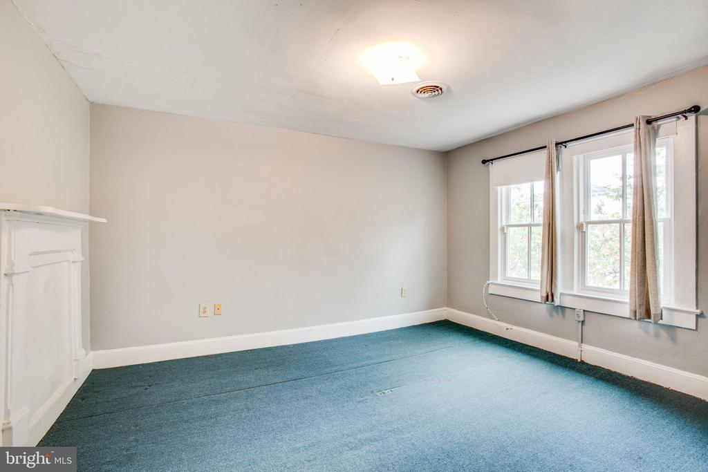 Right side Bedroom #1 - 313 WOLFE ST, FREDERICKSBURG