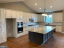 Ex. Gourmet Kitchen - C-30 CREOLA DR, WINCHESTER