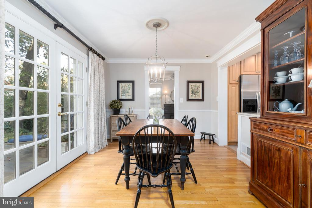 French doors from dining room to terrace - 3502 HALCYON DR, ALEXANDRIA