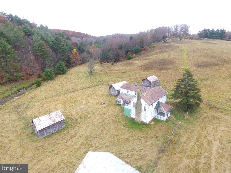 Single Family Homes のために 売買 アット Sugar Grove, ウェストバージニア 26815 アメリカ