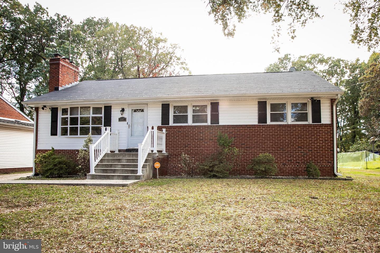 Single Family Homes 为 销售 在 Temple Hills, 马里兰州 20748 美国