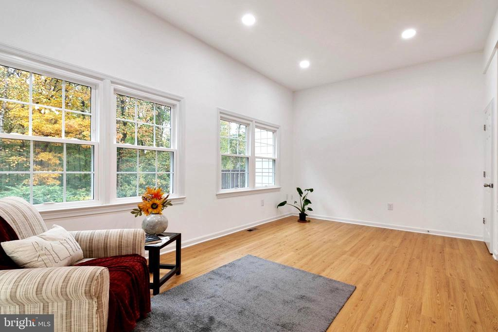 Living Room�- New Hard Foloors - 6304 TEAKWOOD CT, BURKE