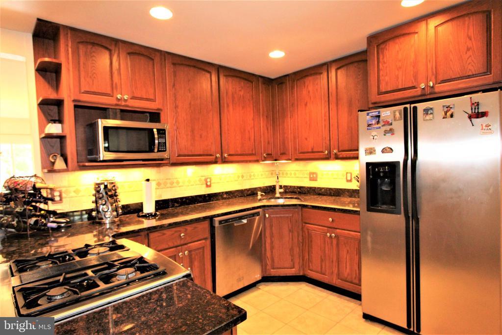 Kitchen Work Space - 7707 DUBLIN DR, MANASSAS