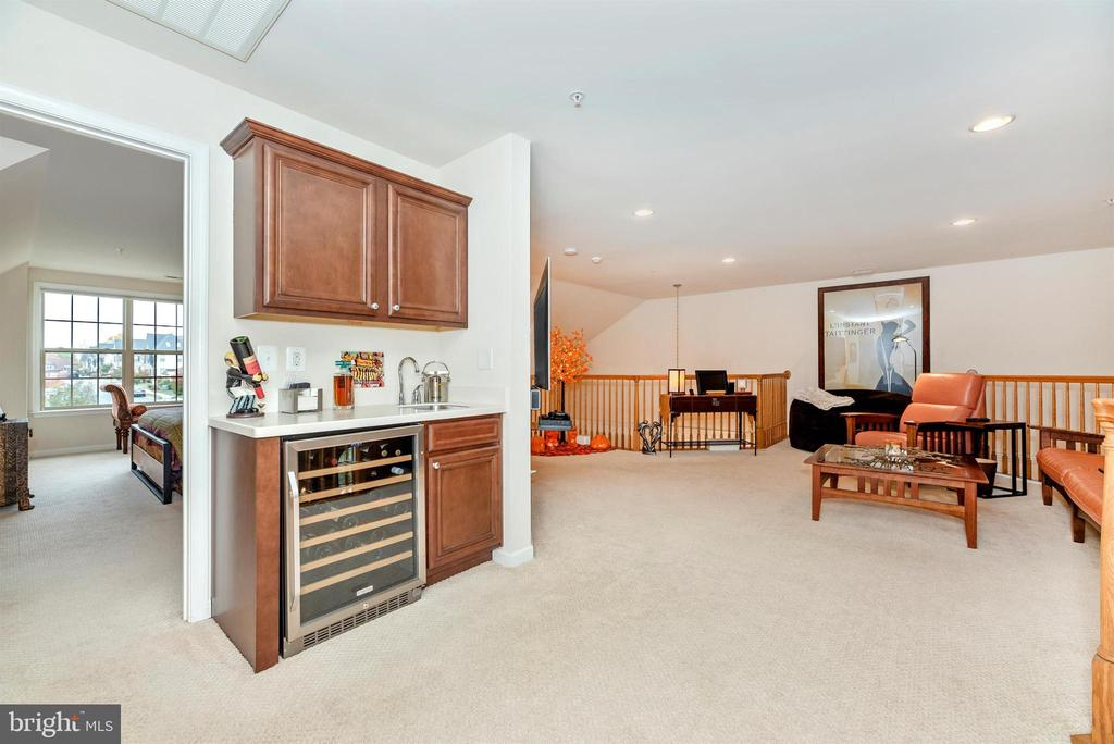Wet Bar with new wine fridge. - 2513 MILL RACE RD, FREDERICK