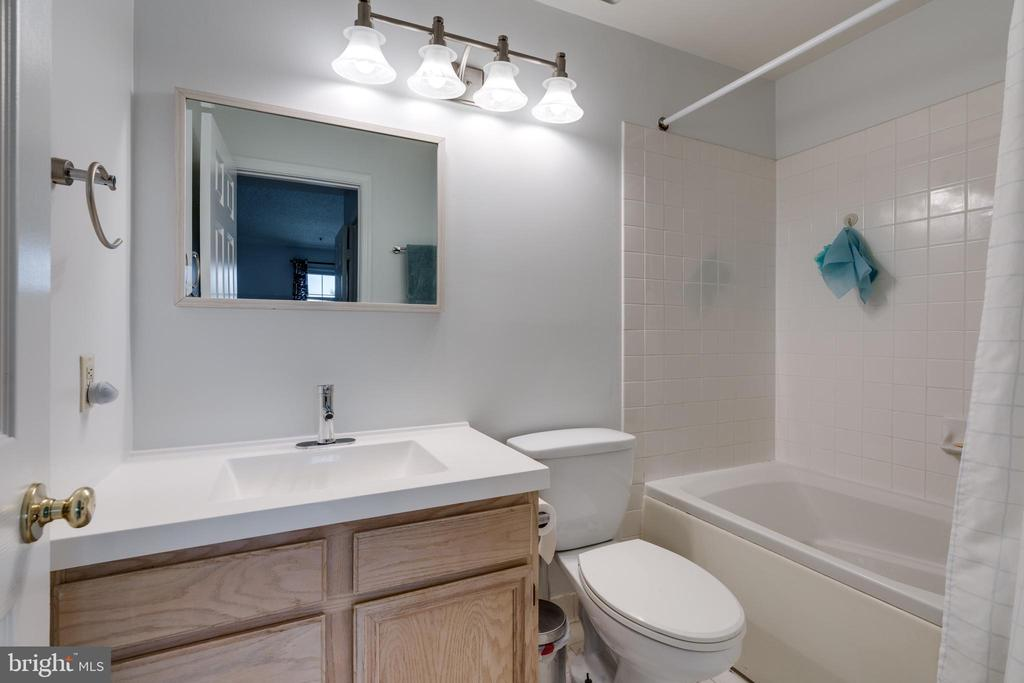 En-suite bathroom two - 2810 EMMA LEE ST #304, FALLS CHURCH