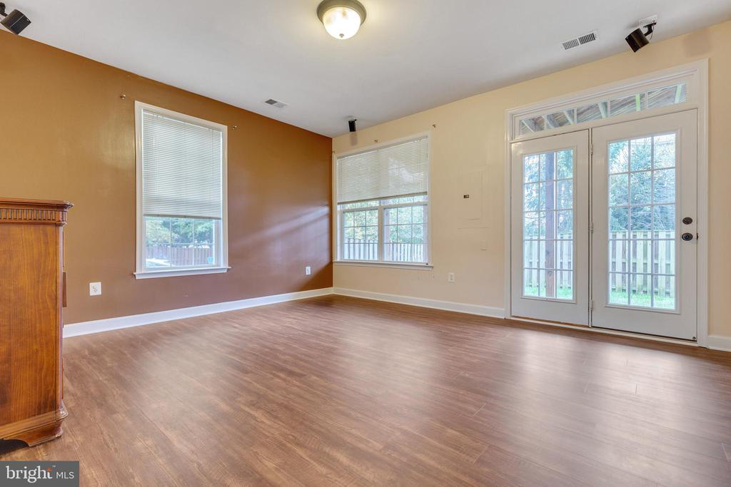 Walk-out Rec Room with Updated Floors - 42475 MAGELLAN SQ, ASHBURN