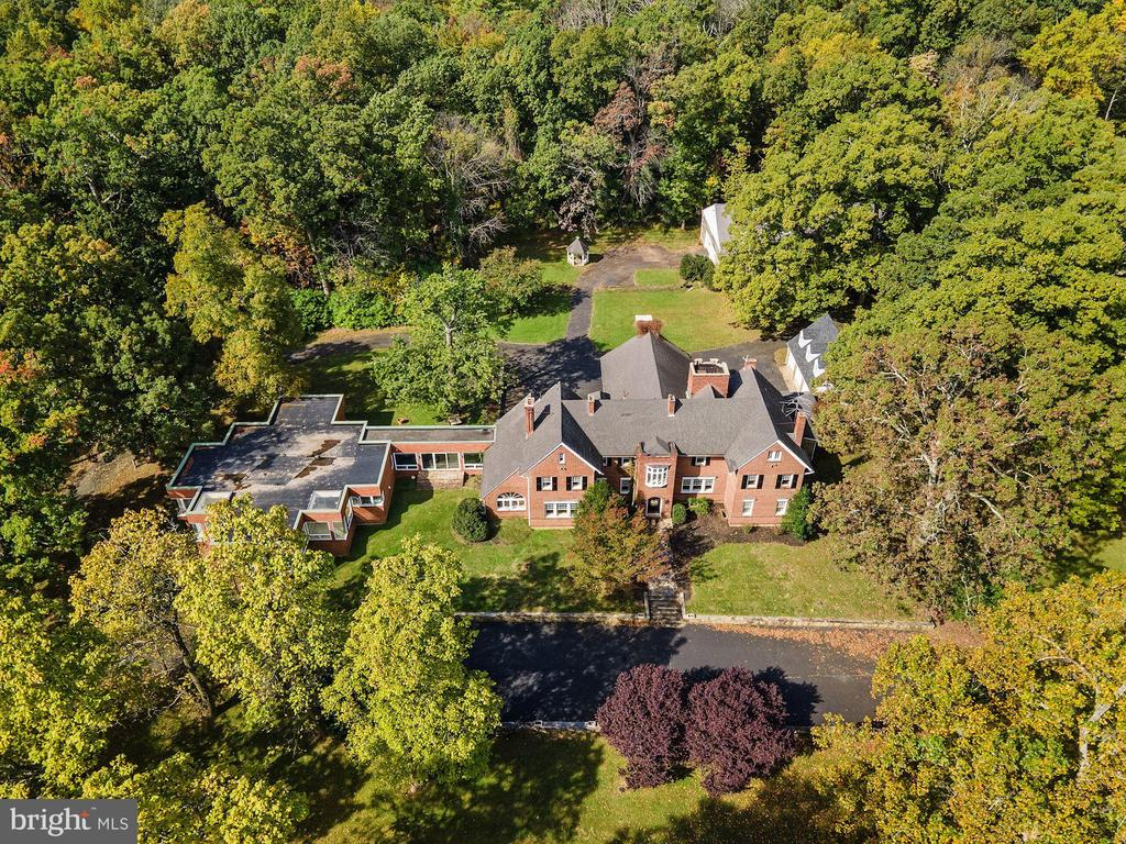 Aerial view of compound - 40568 HIDDEN HILLS LN, PAEONIAN SPRINGS